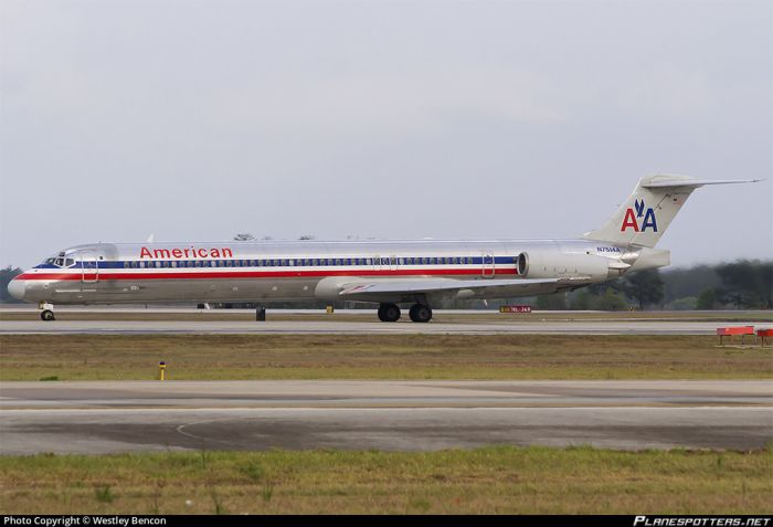 n7514a-american-airlines-mcdonnell-douglas-md-82-dc-9-82_PlanespottersNet_372641_fed61d01a9