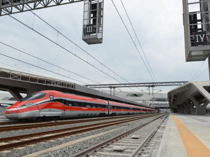 tn_it-Napoli-Afragola-platforms