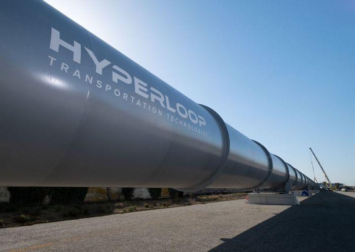 Во Франции смонтировали последние трубы трека Hyperloop (фото)