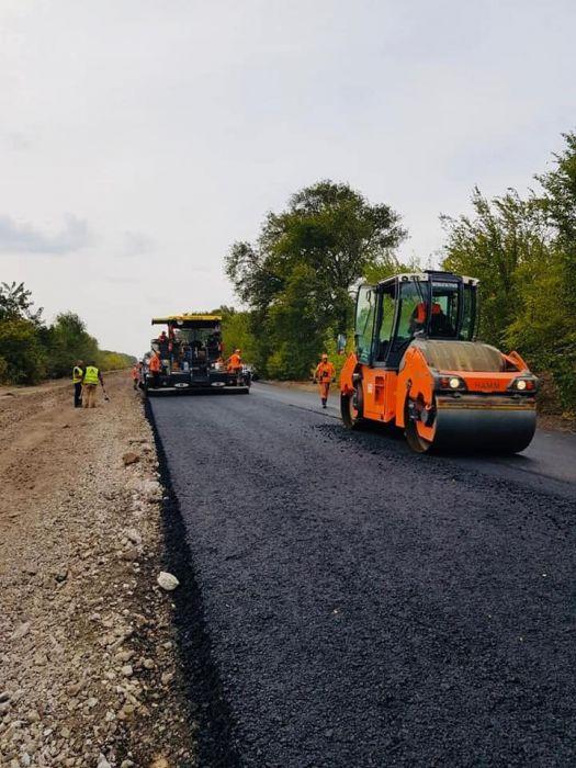 Начался ремонт дороги Днепр-Кривой Рог 04