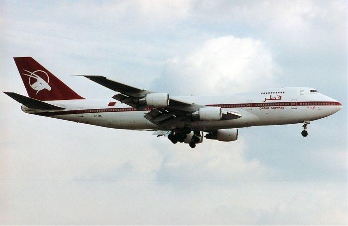 Qatar_Airways_Boeing_747SR_Maiwald