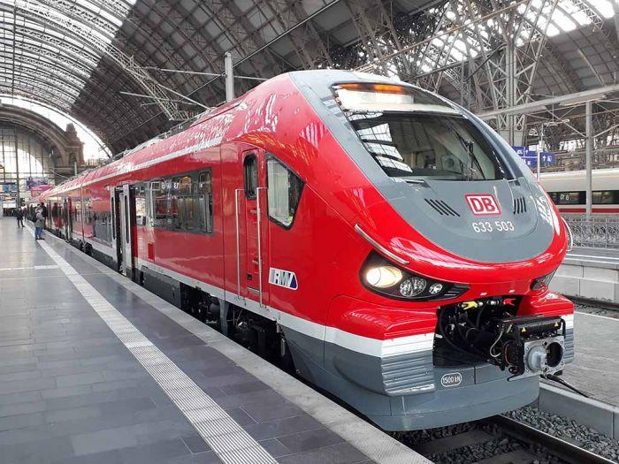 Pesa показала поезда, разработанные для Франкфурта (фото)