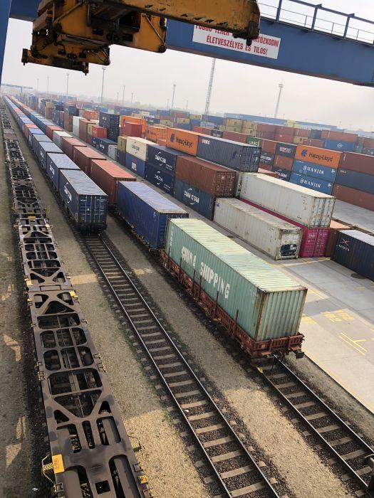 Через территорию Украины запущен новый контейнерный поезд сообщением Китай-Венгрия (фото)