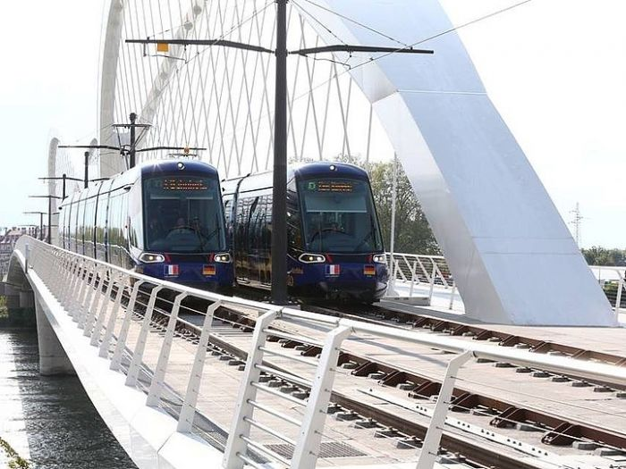 csm_tn_fr-strasboug_tram_extension_kehl_trams_on_bridge_8f0ce83b8e