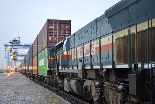 Pipavav_train_india_APM_Terminals