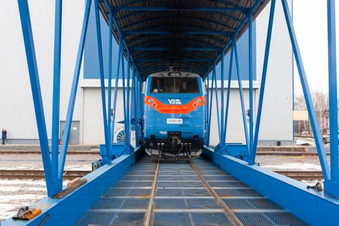 "КВСЗ передал ""Укрзализныце"" уже 22 локомотива General Electric (фото)"