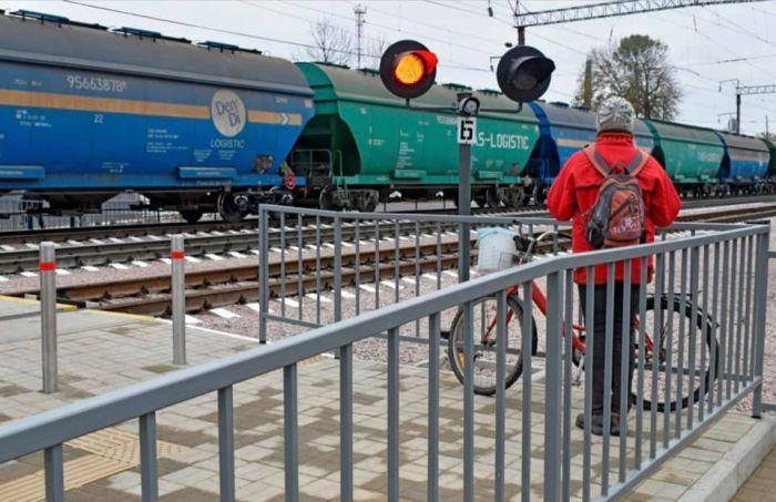 На станции Жмеринка открыли лабиринтный переход через ж/д пути с LED-освещением и видеокамерами (фото), фото-4