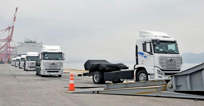 brand-hyundai-xcient-fuel-cell-heavy-duty-truck-hevcars-9