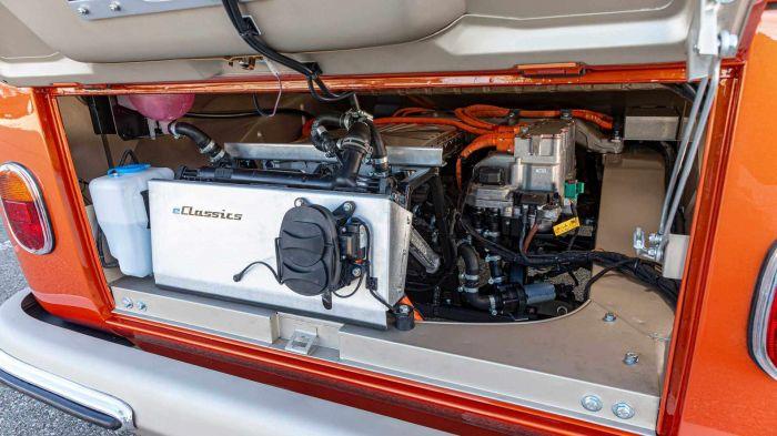 volkswagen-e-bulli-interior-hevcars