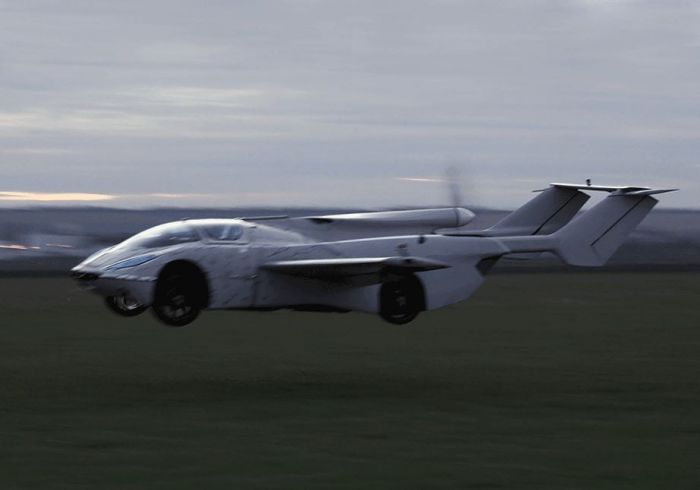 klein-visions-aircar-prototype-an-actual-flying-car-takes-maiden-flight_1