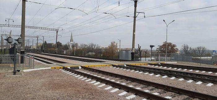 На станции Жмеринка открыли лабиринтный переход через ж/д пути с LED-освещением и видеокамерами (фото), фото-7