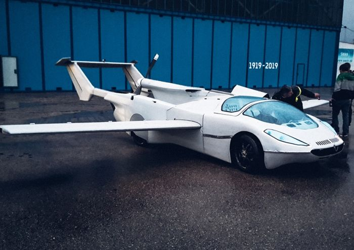 klein-visions-aircar-prototype-an-actual-flying-car-takes-maiden-flight_2