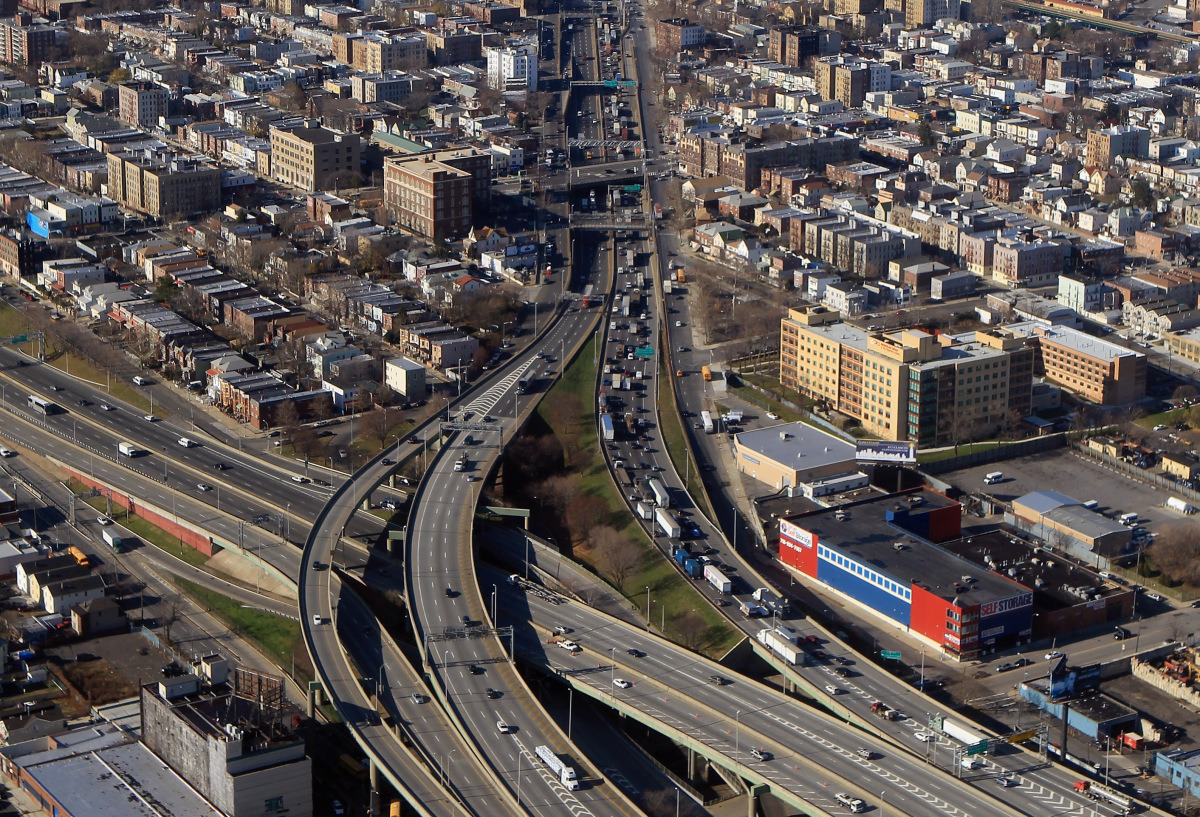 http://cfts.org.ua/imglib/_newimage/articles/probki_i_parki_kak_robert_mozes_izmenil_infrastrukturnyy_oblik_nyu_yorka_1276/93970/93972/1100.jpg