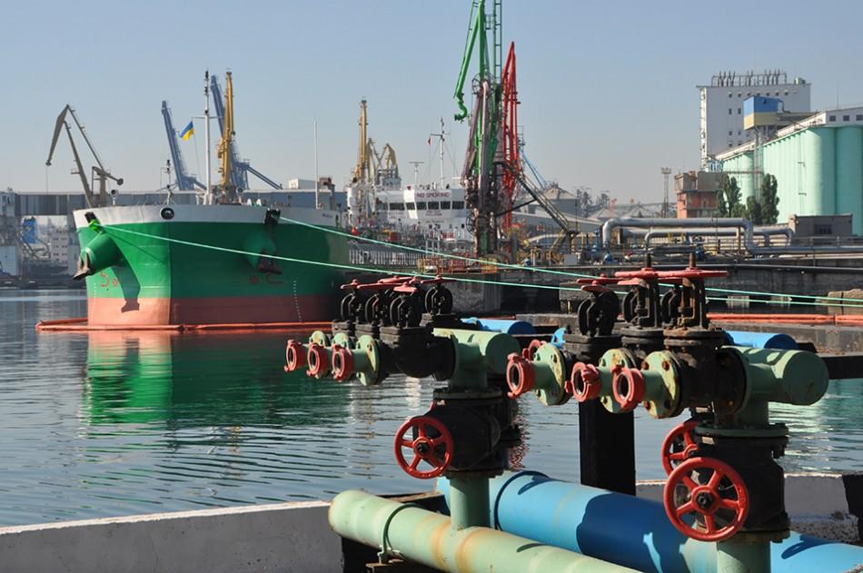 В нефтегавани Одесского порта