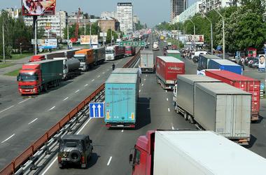 В Киеве с 18 мая ограничат въезд грузовиков в часы пик — Центр транспортных  стратегий
