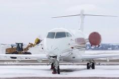 Зима в Жулянах: Аэропорт показал, как борется со снегом