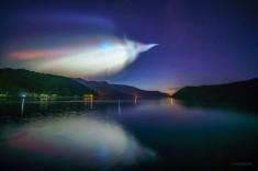 Космическая красота: фотограф сделал эффектные снимки запуска ракеты в Японии